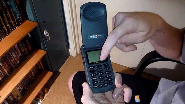 Motorola Startac 8000 – перша популярна жабка - фото 333927