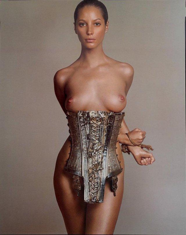 Моделі 90-х: як змінилася гаряча американка Крісті Тарлінгтон (18+) - фото 333959
