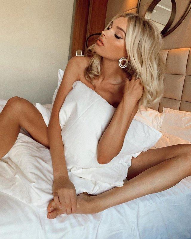 Ангел Victoria's Secret показала звабливі фото у ліжку - фото 334156
