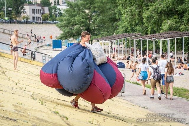 Пляжний сезон у Києві в яскравих знімках - фото 334376