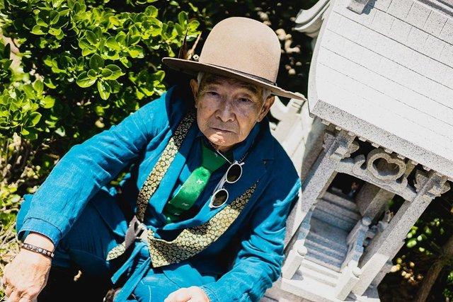 Модний та ефектний 84-річний пенсіонер з Японії підкорив мережу: яскраві фото - фото 334628