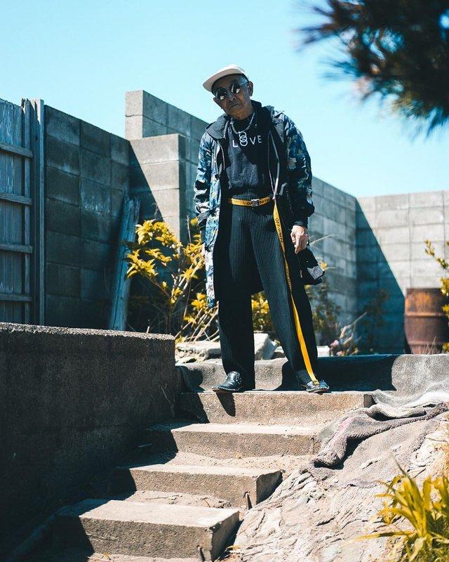 Модний та ефектний 84-річний пенсіонер з Японії підкорив мережу: яскраві фото - фото 334630