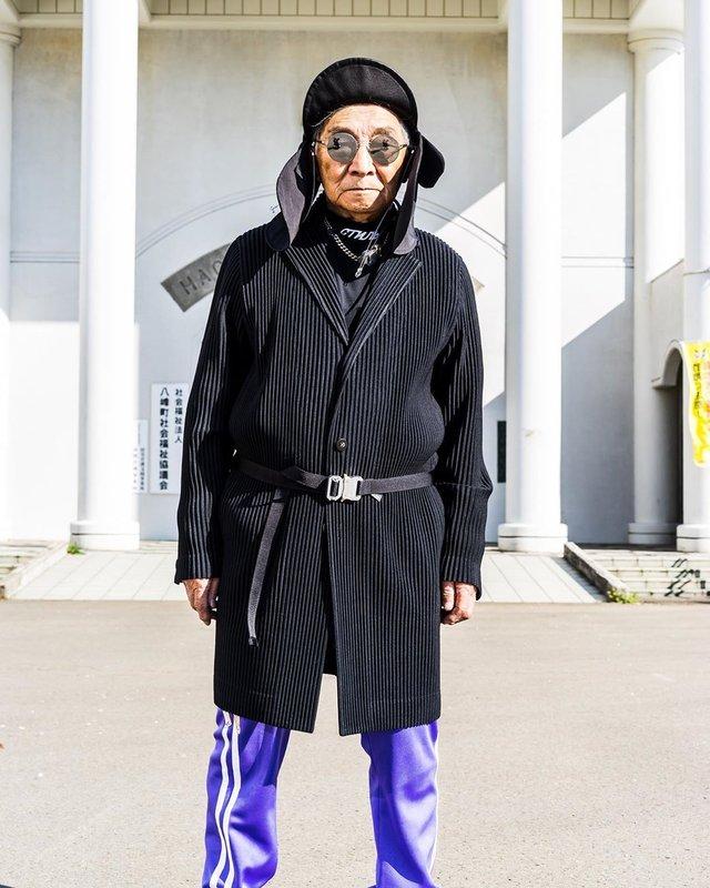 Модний та ефектний 84-річний пенсіонер з Японії підкорив мережу: яскраві фото - фото 334635
