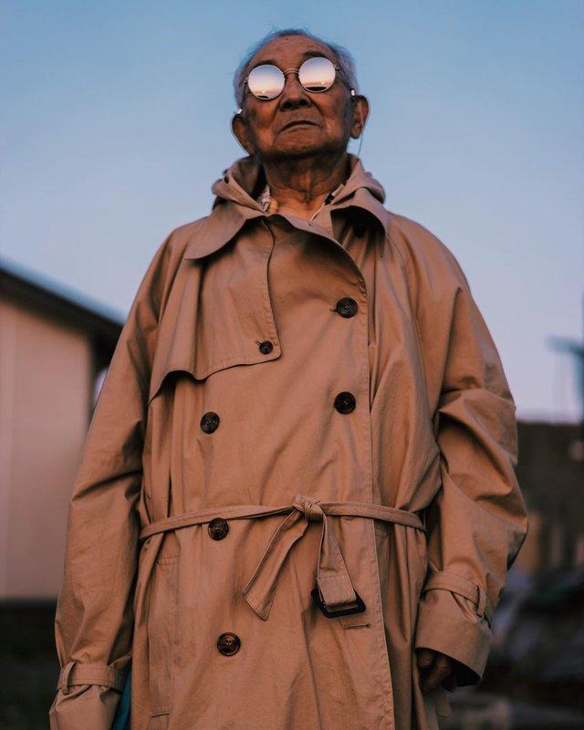 Модний та ефектний 84-річний пенсіонер з Японії підкорив мережу: яскраві фото - фото 334638