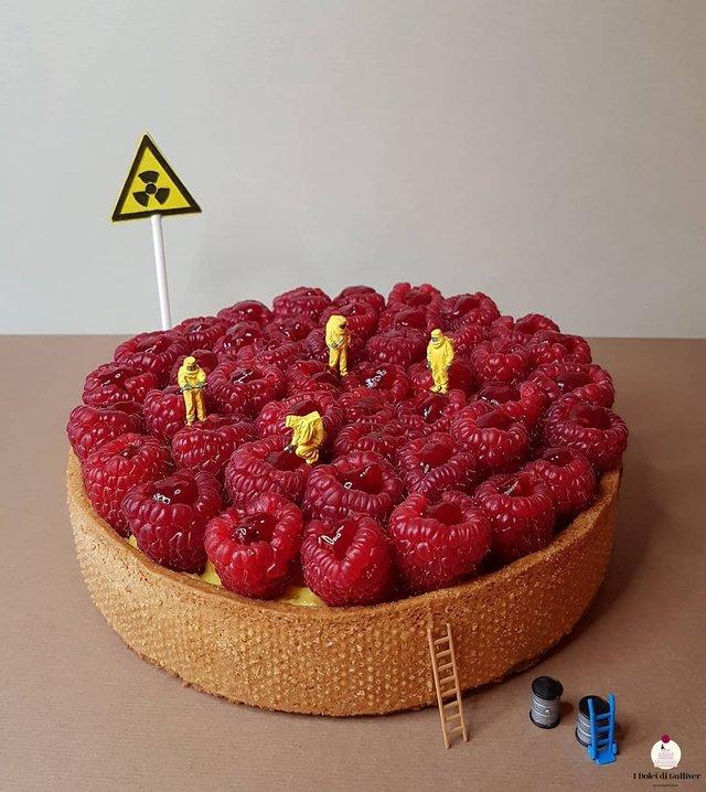 Кондитер перетворює десерти в мініатюрні світи: смачні знімки - фото 334965