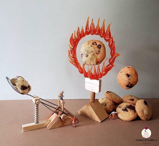Кондитер перетворює десерти в мініатюрні світи: смачні знімки - фото 334967