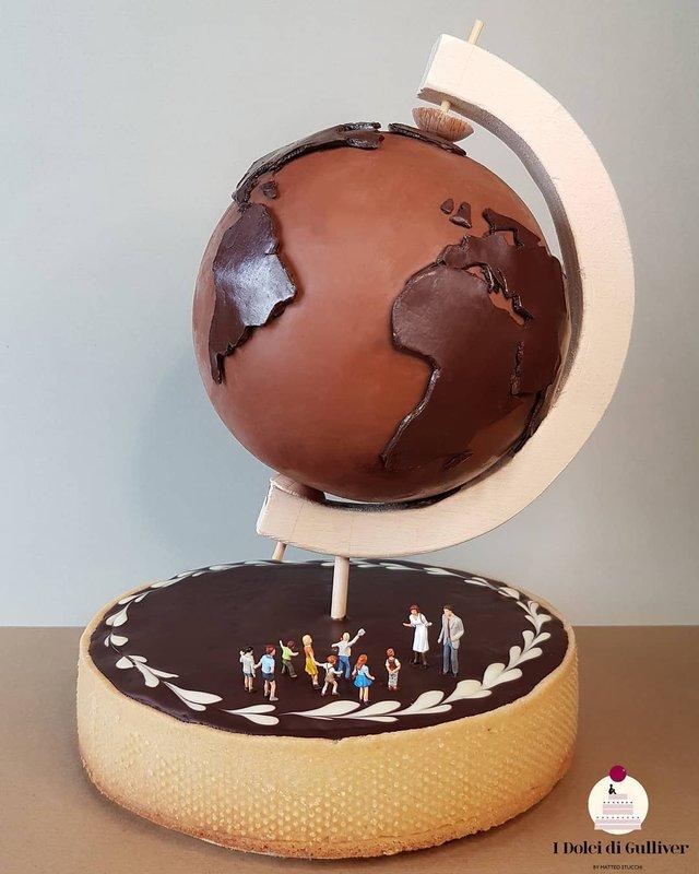 Кондитер перетворює десерти в мініатюрні світи: смачні знімки - фото 334972