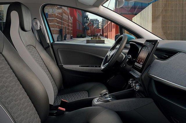 Французи представили оновлений Renault Zoe: оновлений салон і підвищена автономність - фото 335219