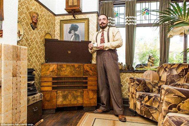 Британець трансформував свою квартиру у стилі 1930-х років - фото 335857