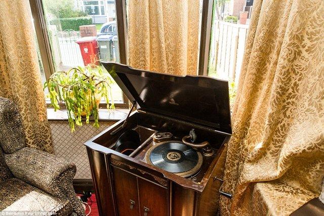 Британець трансформував свою квартиру у стилі 1930-х років - фото 335859