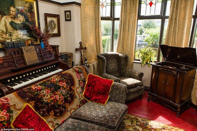 Британець трансформував свою квартиру у стилі 1930-х років - фото 335860