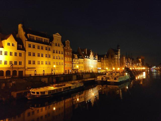 Вікенд у Гданську та Стокгольмі: як відпочити на морі та заплатити 3000 гривень штрафу - фото 336244