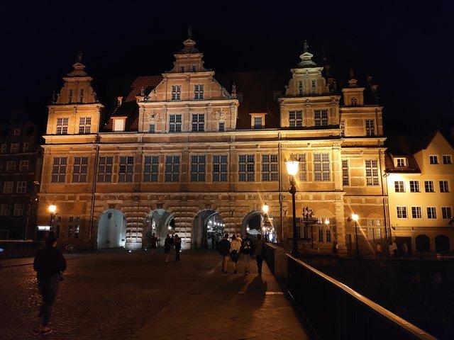 Вікенд у Гданську та Стокгольмі: як відпочити на морі та заплатити 3000 гривень штрафу - фото 336245