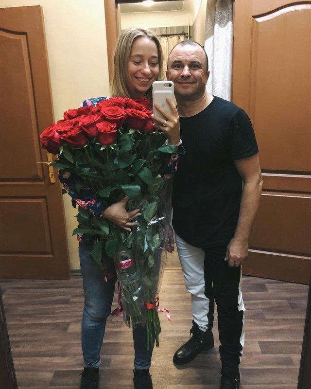 Віктор Павлік покинув дружину заради 25-річної дівчини: фото нової нареченої артиста - фото 336422