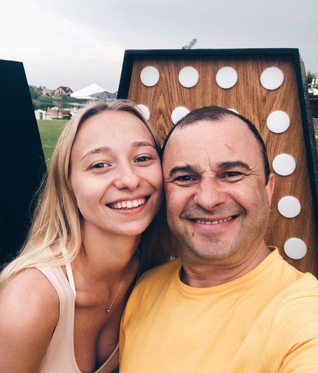 Віктор Павлік покинув дружину заради 25-річної дівчини: фото нової нареченої артиста - фото 336423
