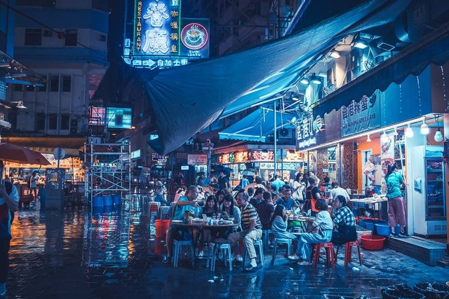 Нічна прогулянка Гонконгом, від якої важко відвести погляд: фото - фото 336541
