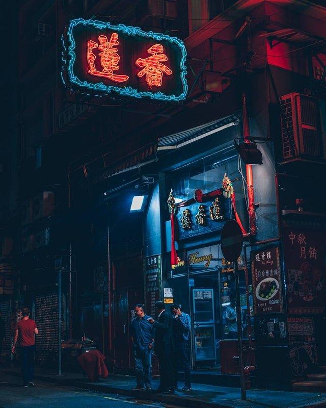 Нічна прогулянка Гонконгом, від якої важко відвести погляд: фото - фото 336553