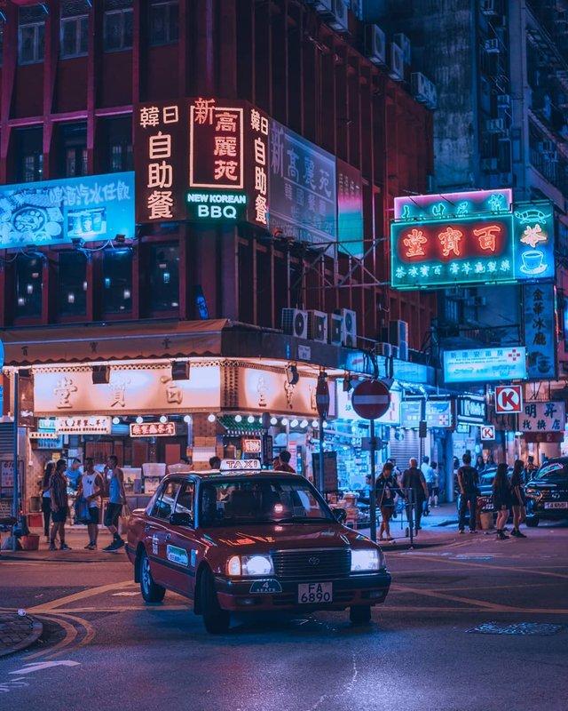 Нічна прогулянка Гонконгом, від якої важко відвести погляд: фото - фото 336554