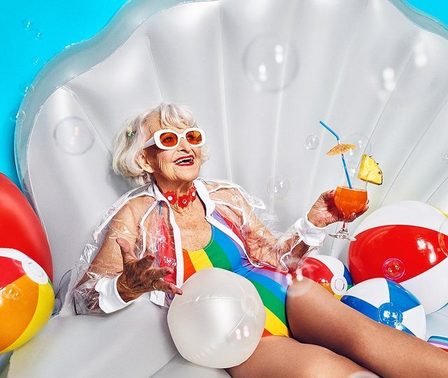 90-річна бабуся підкорила Instagram своїм виглядом - фото 336591