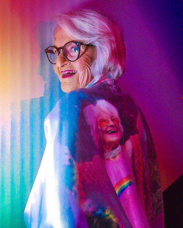 90-річна бабуся підкорила Instagram своїм виглядом - фото 336596