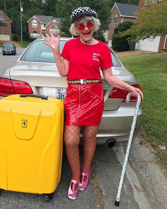 90-річна бабуся підкорила Instagram своїм виглядом - фото 336597
