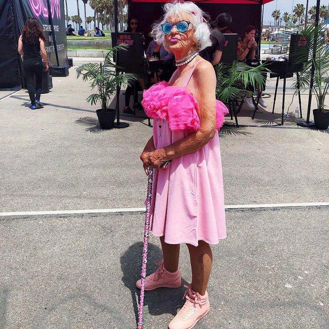 90-річна бабуся підкорила Instagram своїм виглядом - фото 336603