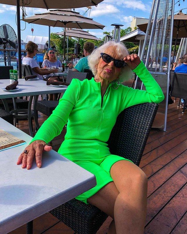 90-річна бабуся підкорила Instagram своїм виглядом - фото 336604