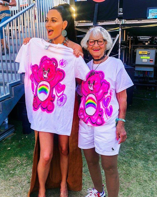 90-річна бабуся підкорила Instagram своїм виглядом - фото 336605