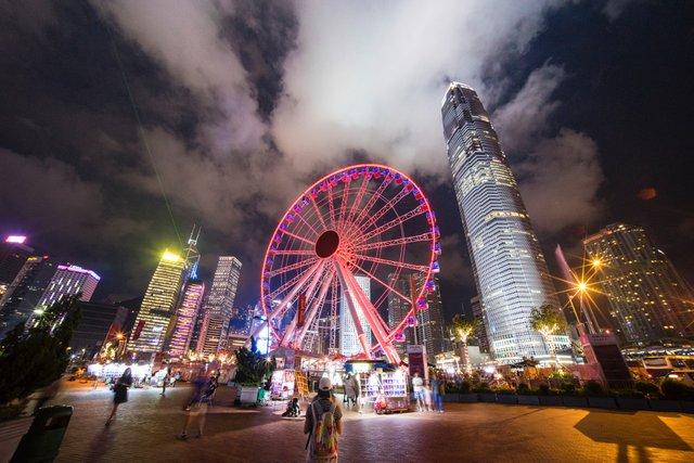Найдорожчим для проживання виявився Гонконг - фото 336839