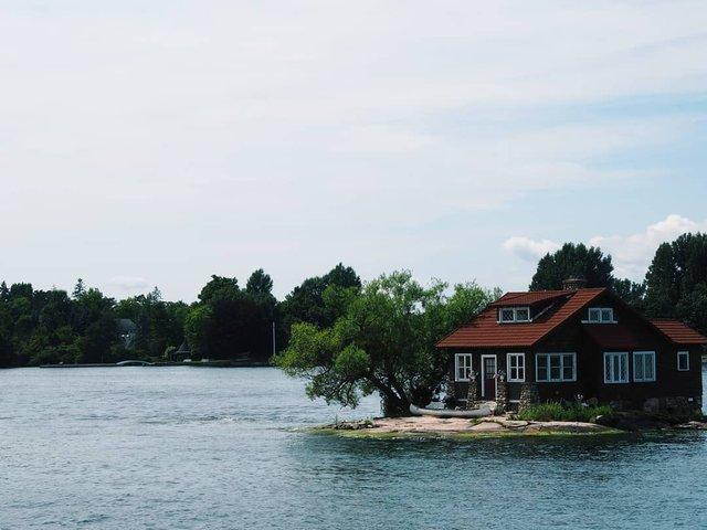 Як виглядає один з найменших островів у світі: атмосферні фото - фото 336931
