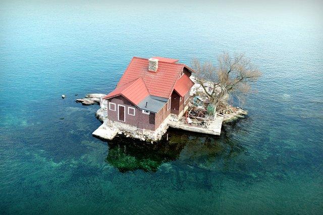 Так виглядає найменший населений острів світу - фото 337374