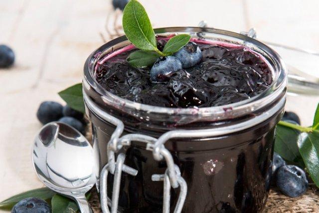 Варення з чорниці: смачні рецепти, як приготувати джем на зиму - фото 337637
