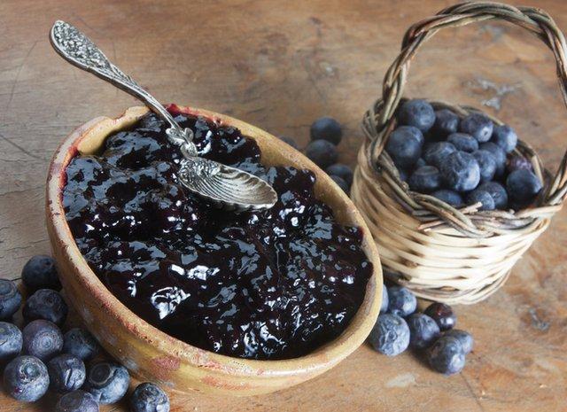 Варення з чорниці: смачні рецепти, як приготувати джем на зиму - фото 337640