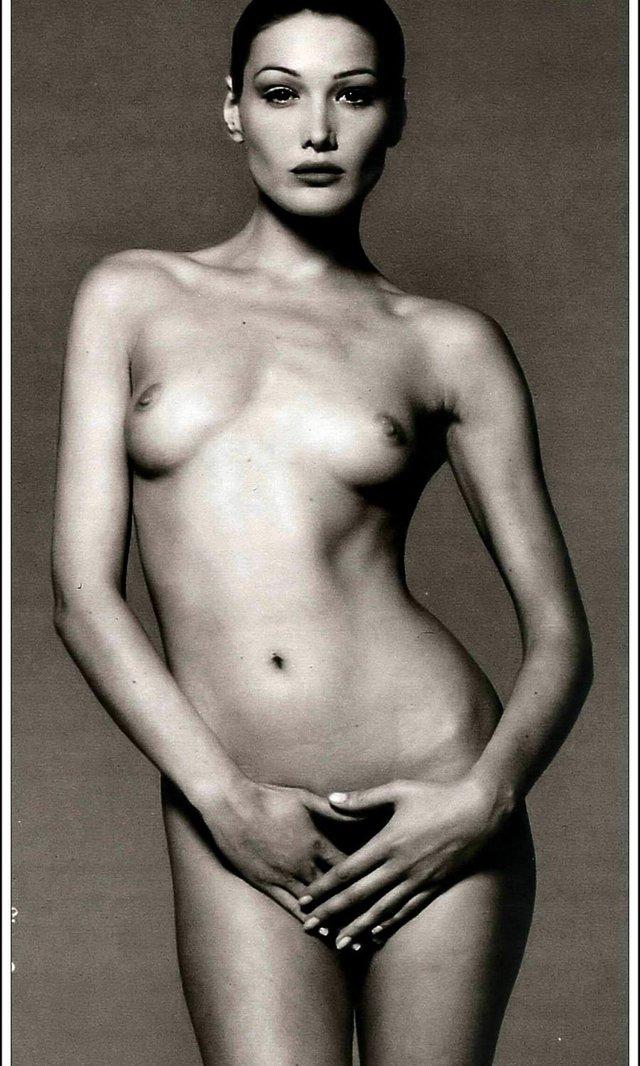 Моделі 90-х: як змінилася гаряча італійка Карла Бруні (18+) - фото 337723