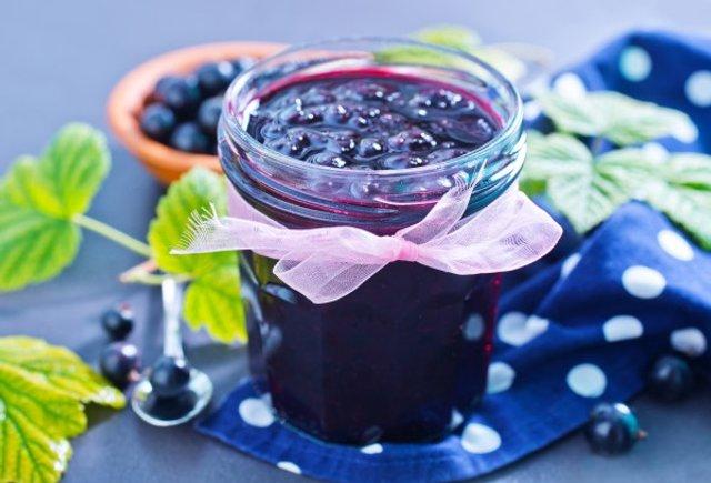 Варення з чорної смородини: 5 рецептів приготування на зиму з фото - фото 337983