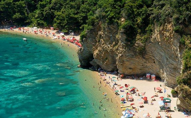 Відпочинок на морі 2019: чому варто поїхати у Чорногорію - фото 338336