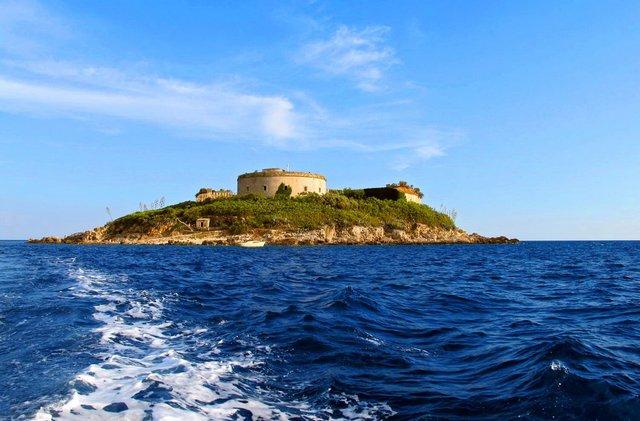 Відпочинок на морі 2019: чому варто поїхати у Чорногорію - фото 338337