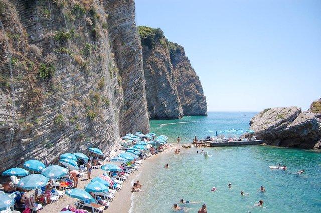 Відпочинок на морі 2019: чому варто поїхати у Чорногорію - фото 338339