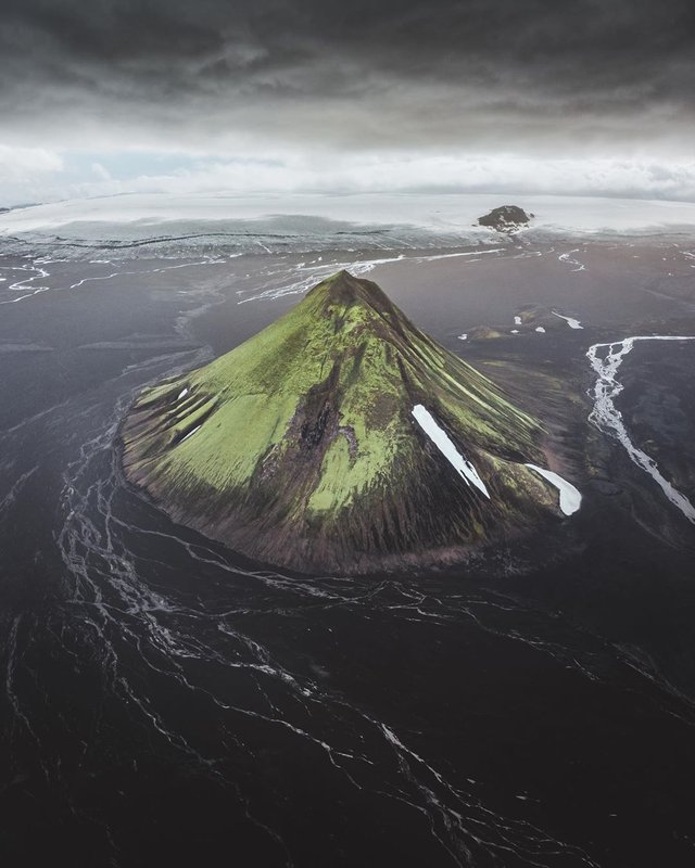 Від гір до островів: фото Романа Хубера, які приковують погляд - фото 338820