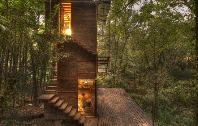 Наодинці з природою: як виглядає дерев'яний дім у горах Мехіко - фото 338841