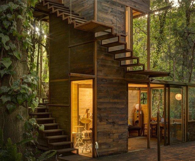 Наодинці з природою: як виглядає дерев'яний дім у горах Мехіко - фото 338844