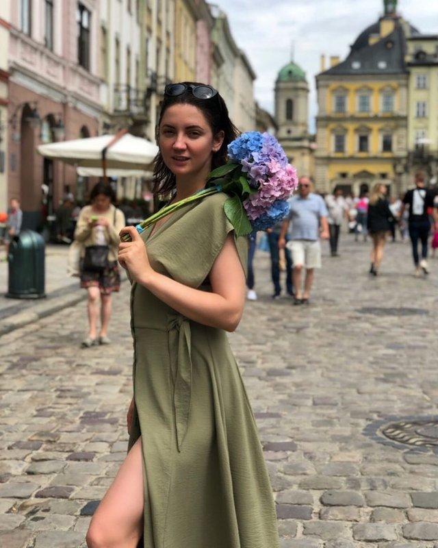 Оля Цибульська відпочиває від метушні у Львові - фото 338993