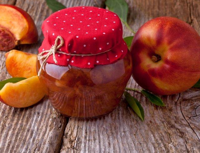 Варення з персиків: 7 смачних рецептів персикового джему з фото - фото 339262