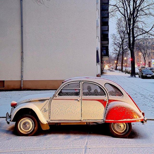Фотограф показує авто на німецьких вулицях: захопливі кадри - фото 339429