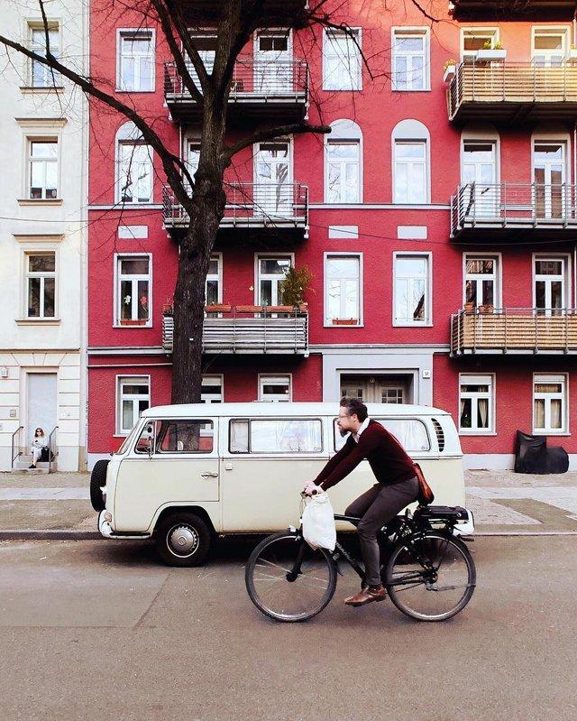 Фотограф показує авто на німецьких вулицях: захопливі кадри - фото 339430