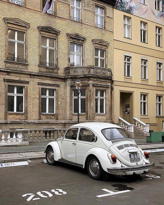 Фотограф показує авто на німецьких вулицях: захопливі кадри - фото 339435