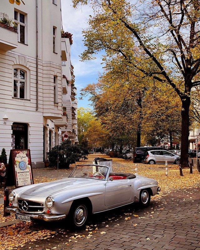 Фотограф показує авто на німецьких вулицях: захопливі кадри - фото 339436