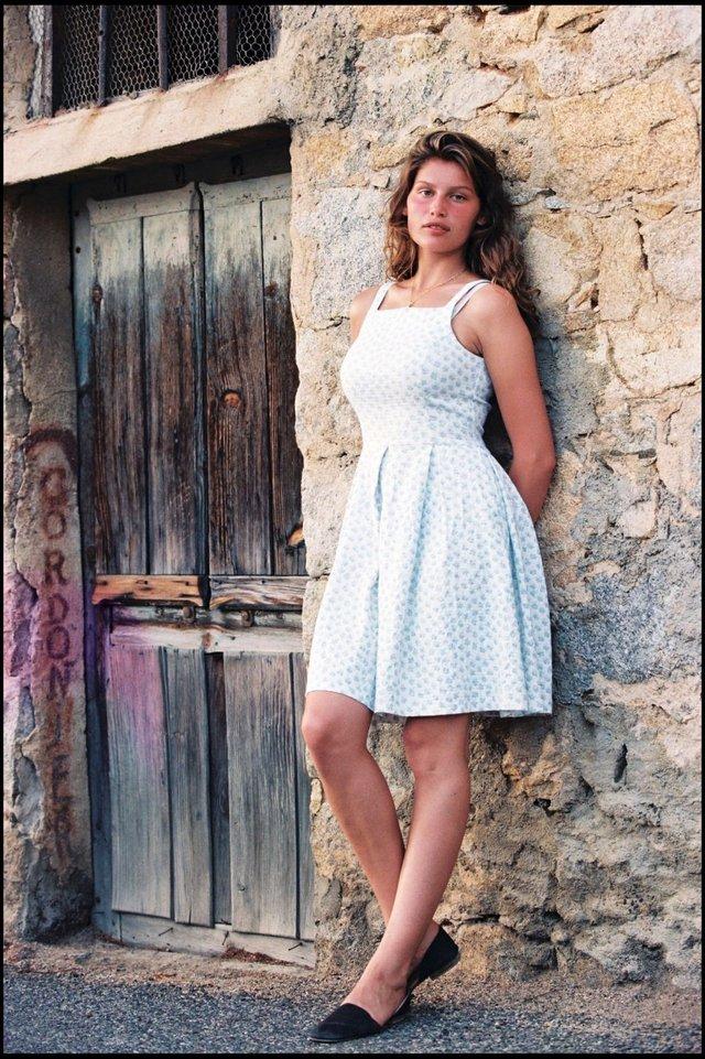Моделі 90-х: як змінилася зваблива француженка Летиція Каста (18+) - фото 339661