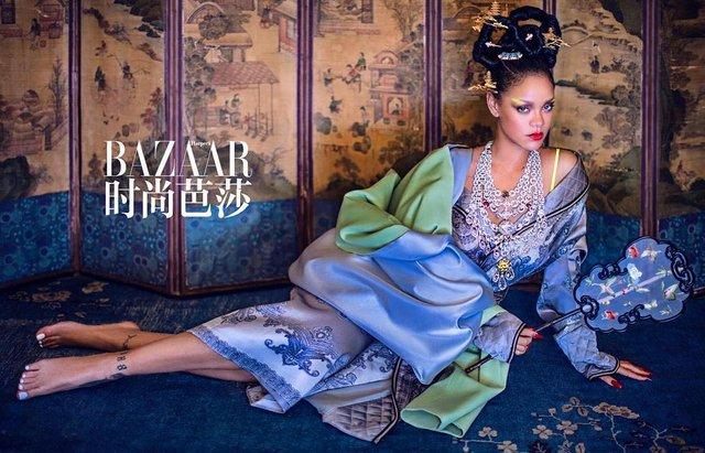 Справжня гейша: Rihanna знялася для глянцю у незвичному для себе образі - фото 339864