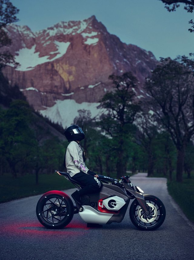 Електромотоцикл Motorrad Vision DC Roadster - фото 340301